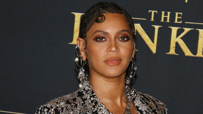 Beyonce på The Lion King -filmen hadde premiere på den røde løperen