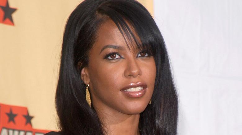 Aaliyah på en rød løper -begivenhet
