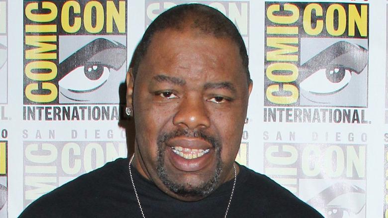 Biz Markie poserer på Comic-Con
