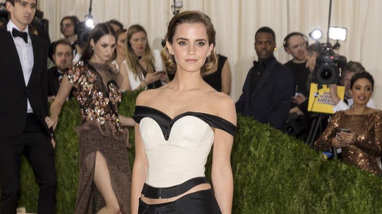 Emma Watson poserer på Met Gala