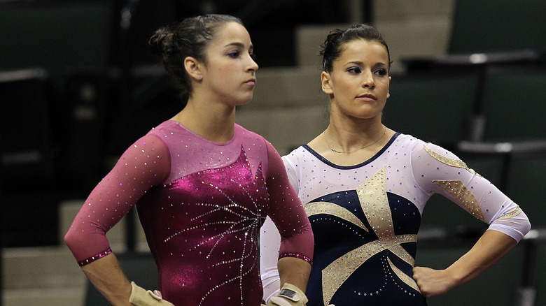 Aly Raisman og Alicia Sacramone i 2011