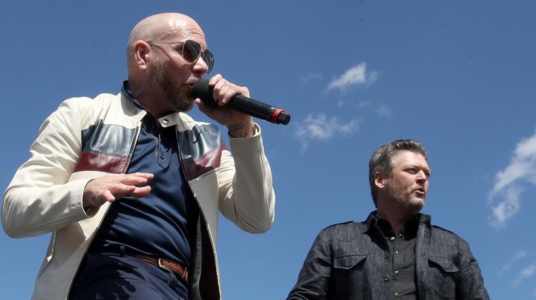 Blake Shelton og Pitbull