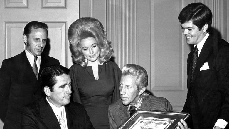 Dolly Parton og Porter Wagoner snakker