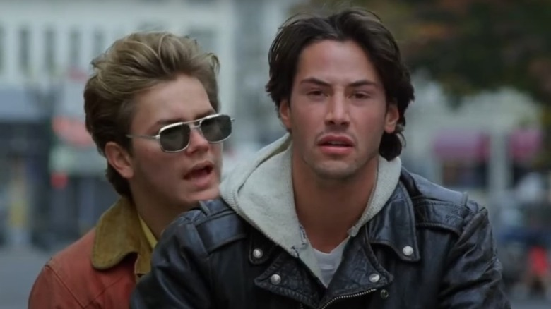 River Phoenix og Keanu Reeves på motorsykkel