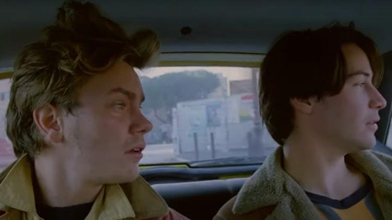 River Phoenix og Keanu Reeves i bil