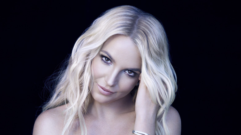 Britney Spears vippende hode