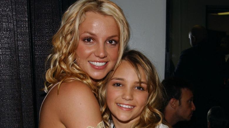 Britney Spears og Jamie Lynn poserer sammen