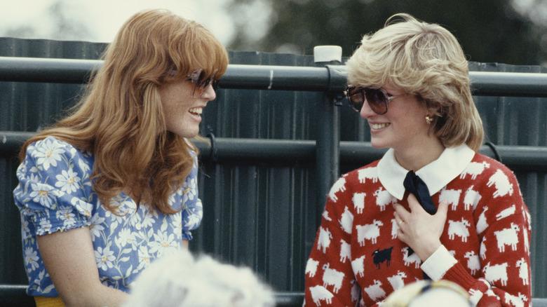 Sarah Ferguson og prinsesse Diana i 1983