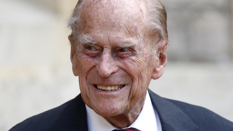 Prins Philip ser lykkelig ut