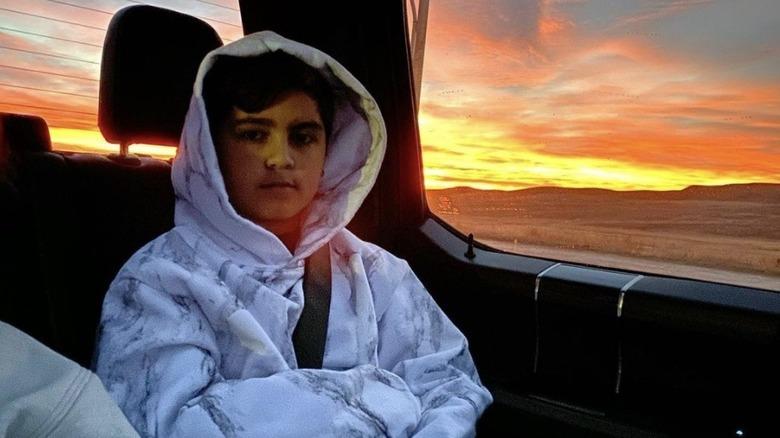 Mason Disick i en bil