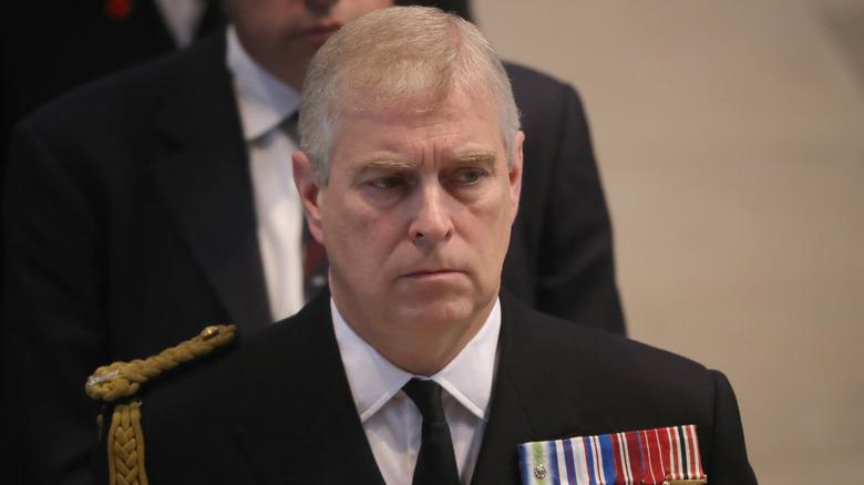 Prins Andrew deltok på en minnestund ved Manchester Cathedral