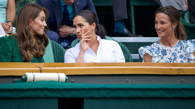 Kte Middleton, Meghan Markle og Pippa Middleton taler