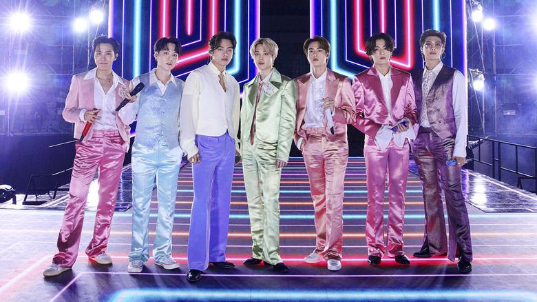 BTS -gruppen ser alvorlig ut