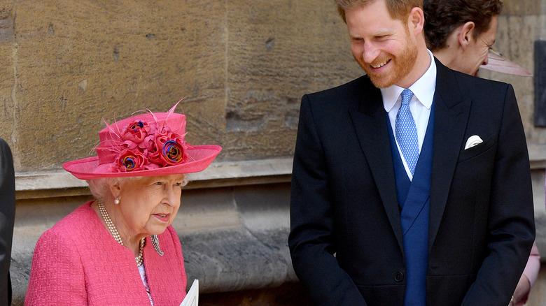 Dronning Elizabeth og prins Harry