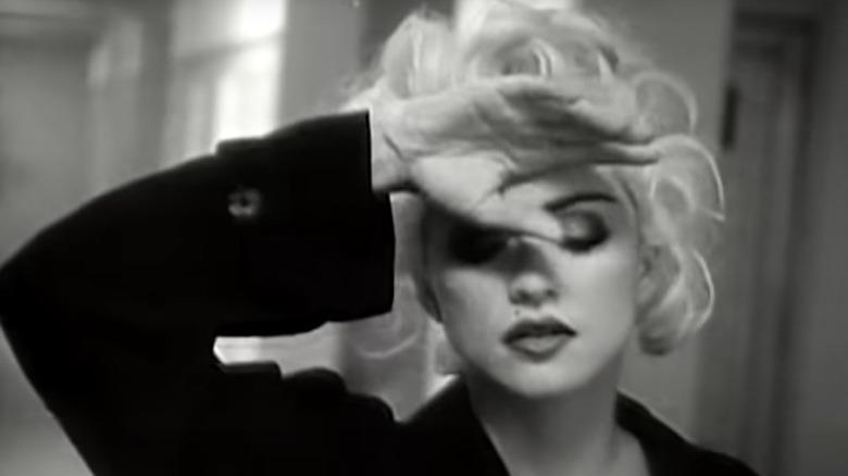 Madonna i Justify My Love musikkvideo