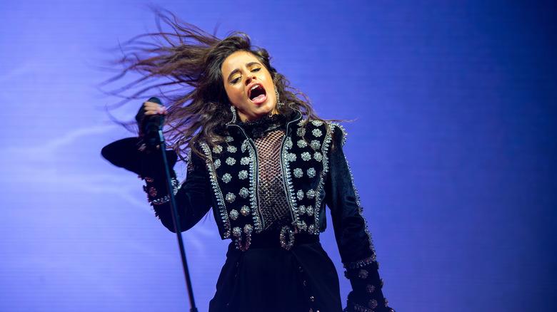 Camila Cabello opptrer