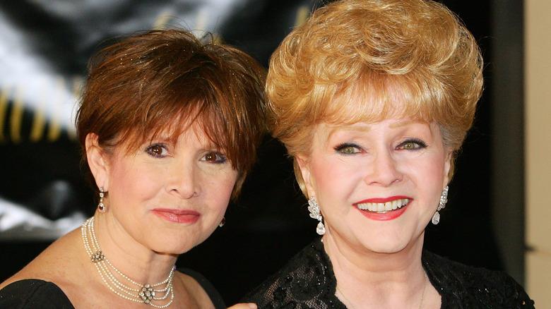 Carrie Fisher, Debbie Reynolds poserer