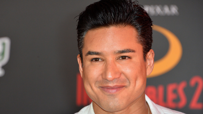 Mario Lopez smiler