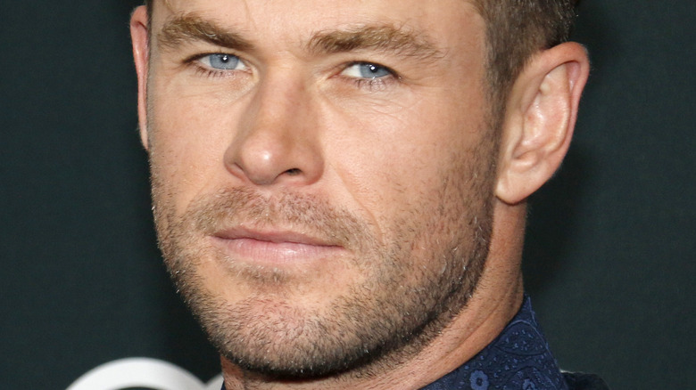 Chris Hemsworth poserer 2019