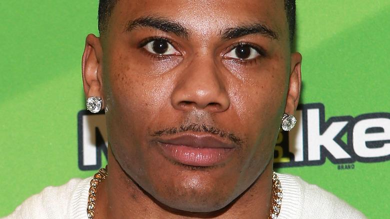 Nelly på et arrangement