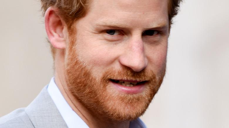 Prins Harry smiler
