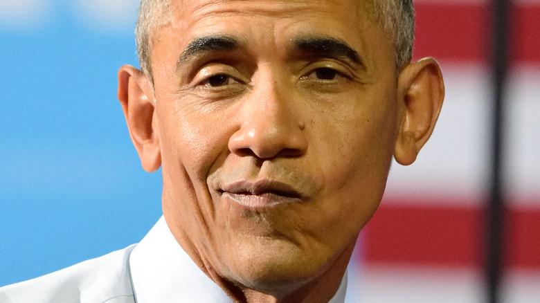 Barack Obama poserer på et arrangement