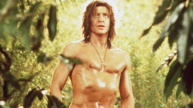 Brendan Fraser skjorteløs i George of the Jungle