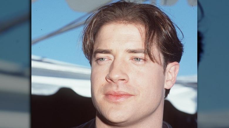 Brendan Fraser ser bort