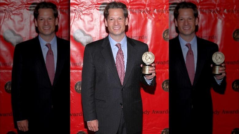 Richard Engel holder en pris
