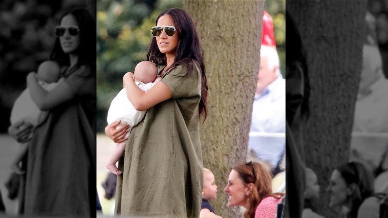 Meghan Markle holder baby Archie, Kate Middleton leker med prins Louis