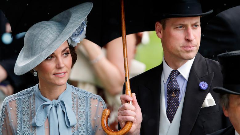 Kate Middleton og prins William iført hatter