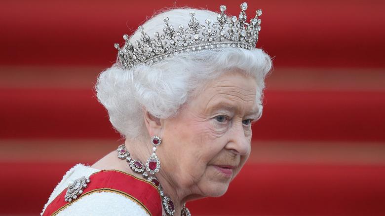 Dronning Elizabeth krone