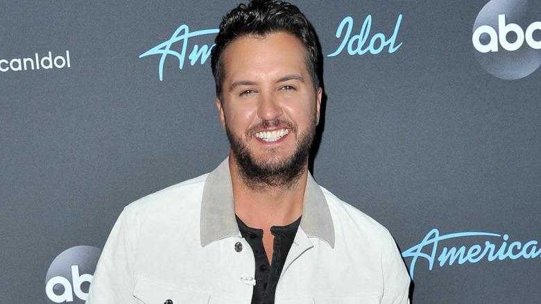 Luke Bryan smiler