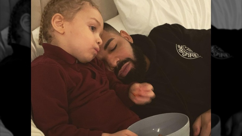 Adonis Graham og Drake sover
