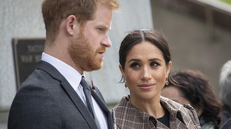 Meghan Markle stirrer på ektemannen prins Harry