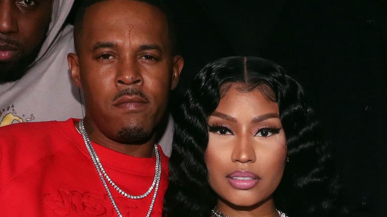 Kenneth Petty og Nicki Minaj poserer