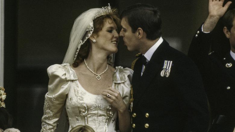 Bryllupsfoto av Sarah Ferguson og prins Andrew