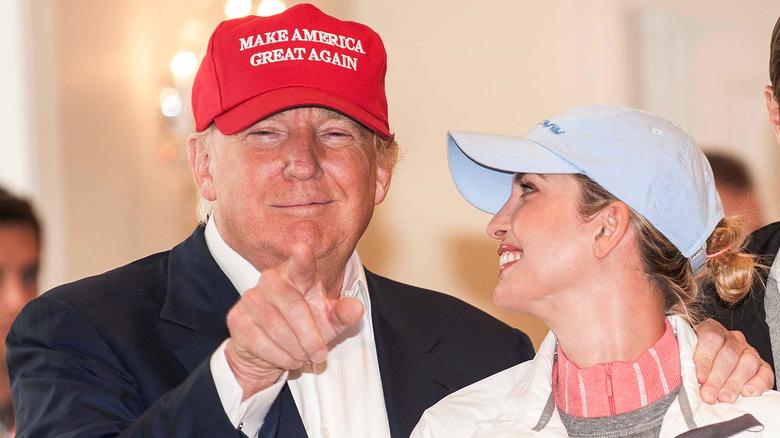 Så den amerikanske presidentkandidaten Donald Trump og datteren Ivanka Trump på åpningsdagen for Ricoh Women's British Open på Trump Turnberry 2015