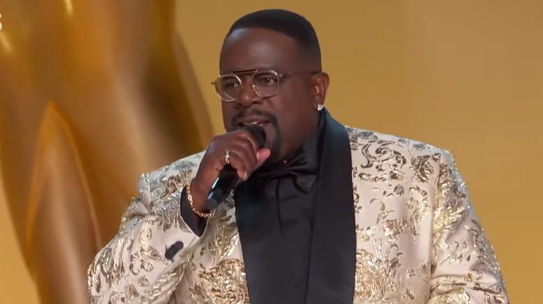 Cedric The Entertainer som arrangerte Emmys i 2021