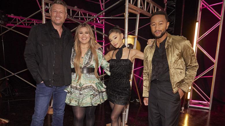 Blake Shelton, Kelly Clarkson, Ariana Grande og John Legend om 'The Voice'