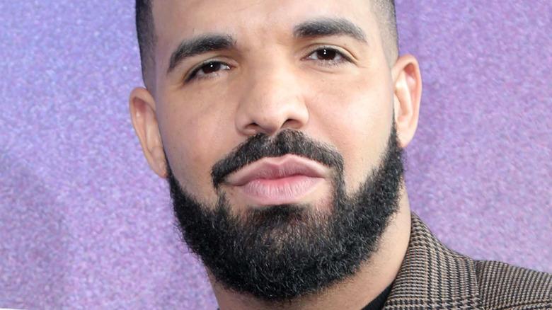 Drake poserer
