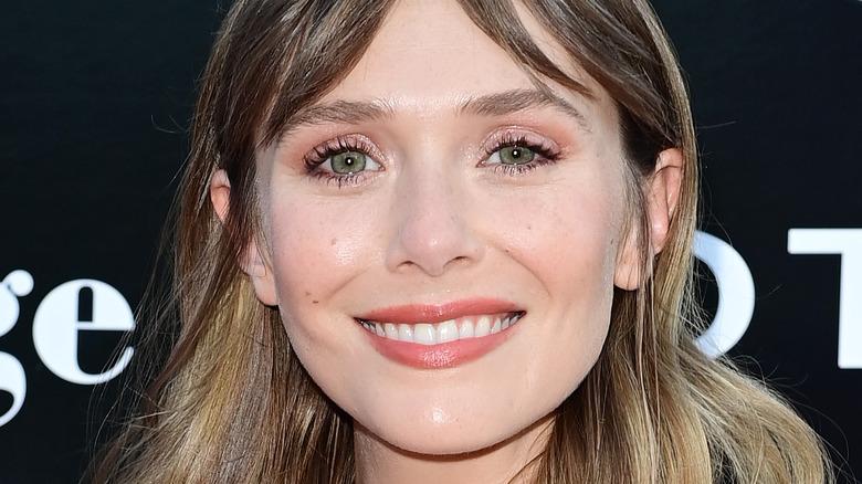 Elizabeth Olsen smiler