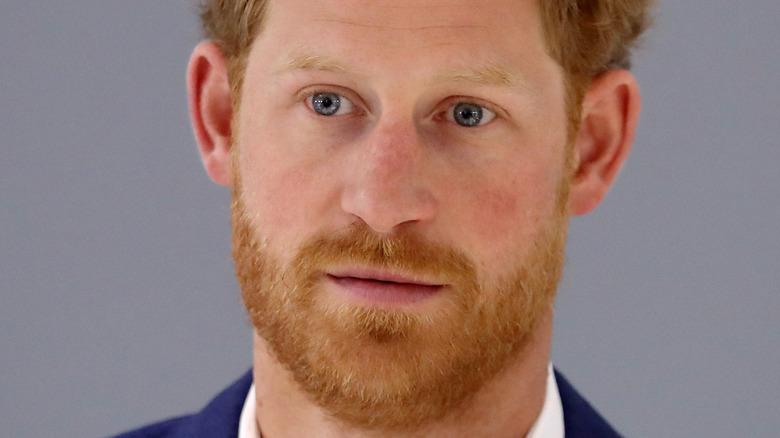 Prins Harry ser romslig ut