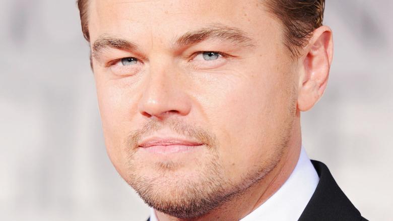 Leonardo DiCaprio iført smoking.