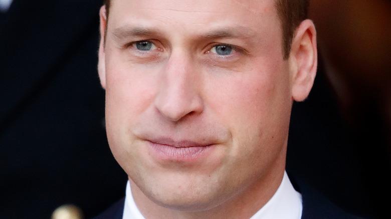 Prins William ser bekymret ut